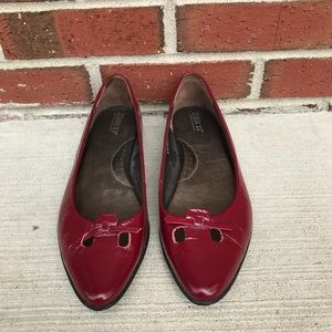 Born Red Leather Ballet Flats 8.5/40 M/W W0276